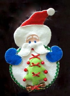 Sew - Arts and Crafts: Christmas - decorate with CD. Christmas Sewing, Diy Christmas Ornaments, Felt Ornaments, Christmas Decorations To Make, Christmas Projects, Holiday Crafts, Christmas Makes, Felt Christmas, Christmas Humor