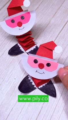 Kindergarten Christmas Crafts, Christmas Arts And Crafts, Preschool Crafts, Kids Christmas, Holiday Crafts, Santa Crafts For Kids To Make, Winter Crafts For Kids, Paper Crafts For Kids, Origami Christmas