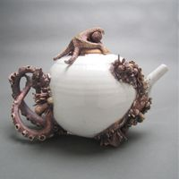 bottom feeder tea pot