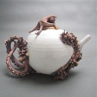 bottom feeder tea pot