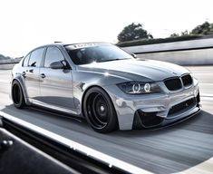 Rolleeerrssss 🌀🙃 on the way to . E90 335i, Bmw M3 E90, Bmw 320d, Bmw Cars, Custom Bmw, Custom Cars, Bmw M6 Coupe, Carros Audi, Dream Cars