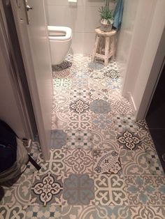 Related posts: 1 Best Inspiring Farmhouse Bathroom Design Ideas 99 Best Farmhouse Bathroom Remodel Decoration Ideas 32 Farmhouse Small Bathroom Remodel and Decorating Ideas 72 Best Farmhouse Bathroom Decor Ideas Bathroom Floor Tiles, Bathroom Toilets, Kitchen Tiles, Kitchen Floor, Colourful Bathroom Tiles, Maroccan Bathroom, Downstairs Toilet, Guest Toilet, Tuile