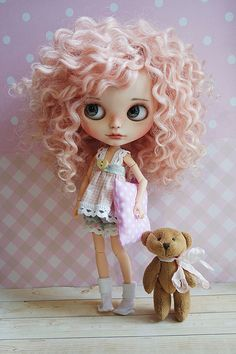 She has found her mommy thank you so much 💗 Pretty Dolls, Beautiful Dolls, Cute Baby Dolls, Bear Doll, Little Doll, Doll Repaint, Hello Dolly, Collector Dolls, Custom Dolls