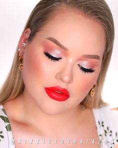 makeup tutorial make up videos Shimmery eye makeup tutorial! Smoky Eye Makeup, Eye Makeup Art, Glam Makeup, Eyeshadow Makeup, Eyeshadow Palette, Makeup With Red Lipstick, Makeup Brushes, Maybelline Eyeshadow, Burgundy Lipstick