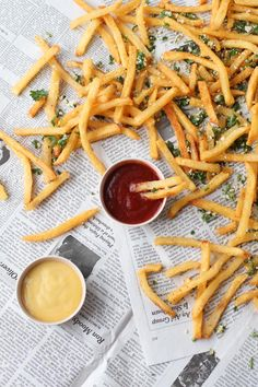 Lemon and Herb French Fries | Summer seasoning for French fries! @brittnimehlhoff