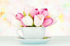 Beautiful center piece for any dining table on #mothersday - using a tea cup really adds character