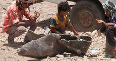 Mort et chaos : Les civils pris au piège au Yémen - Les frappes aériennes de la coalition dirigée par l'Arabie saoudite et les attaques lancées par des groupes armés pro et anti-houthis au sud du Yémen, ont tué de très nombreux civils - parmi lesquels des dizaines d'enfants. http://www.amnesty.fr/Nos-campagnes/Crises-et-conflits-armes/Actualites/Mort-et-chaos-Les-civils-pris-au-piege-au-Yemen-15847?utm_source=twitter&utm_medium=reseaux-sociaux