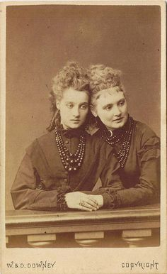 Two beautiful British Victorian women in mourning (how can one not adore their elegant, instantly noticeably mourning jewelry?). #Victorian #19th_century #1800s #photograph #antique #vintage #woman #mourning