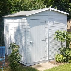 A brilliant re-fresh of a garden shed using Osmo Country Colour in 2735 Light Grey.