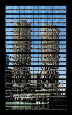 "Thomas Kellner: 39#09 Chicago, Marina Towers, 2003, C-Print, 49,0x83,8cm/19,1""x32,7"", edition 20+3"