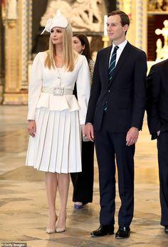 Ivanka Trump arrives at Westminster Abbey modeling a white fascinator Ivanka Trump Style, Ivanka Trump Dress, Vestidos Carolina Herrera, White Fascinator, First Lady Melania Trump, Westminster Abbey, Style Vintage, Beautiful People, Kate Middleton