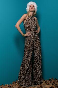 00d5f99c5bf Τραβήξτε τα βλέμματα επάνω σας με την εντυπωσιακή λεοπάρ ολόσωμη φόρμα της  Be You