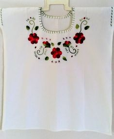 Your place to buy and sell all things handmade Red Flowers, Fabric Flowers, Red Roses, Mexican Embroidery, Mexican Blouse, Folk Clothing, Look Boho, Mexican Style, Boho Tops