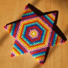 hama bead star by Pickersgill Reef, via Flickr  Heklu fannst þessi flott