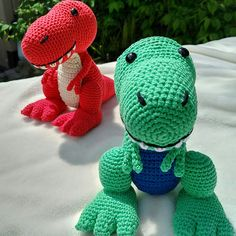 Travis the T-Rex, UK Terminology - Dinosaur Amigurumi Crochet pattern by Little Green Bear Crochet Dinosaur Patterns, Crochet Patterns Amigurumi, Amigurumi Doll, Knitting Patterns, Crochet Gifts, Crochet Toys, Crochet Baby, Learn Crochet, Green Bear