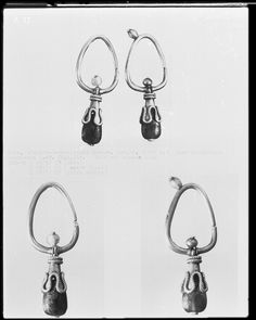 Gold earrings with blue glass, 501-800, Cologne