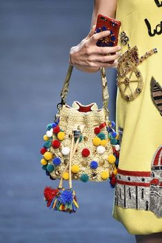 Dolce and Gabbana, Spring 2016, Milan, firstVIEW.com