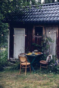 Outdoor dinner with Gluten-free Vegan Pizza with Sweet-Potato-Dough #summer #autumn #outdoorliving