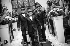 #casamentojaquecassio2015 #missaoimpossivel #weddingphotography #child #children #aliancas #weddingrings #casamento #fotojornalismo #weddingphotojournalism #pajens