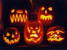 gruselige Kürbisse für Halloween schnitzen