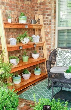 Slatted Shelves, Plywood Shelves, Garden Shelves, Plant Shelves, Japanese Shower, Cedar Plant, Scrap Wood Projects, Diy Projects, Bookcase Plans