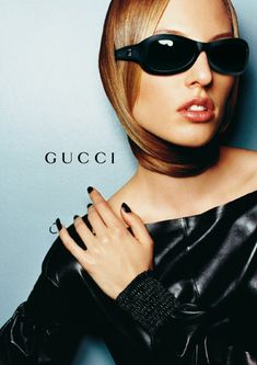"""✴ on Twitter: """"gucci fw 1999 by tom ford ad campaigns shot by mario testino… """" Gucci Ad, Tom Ford Gucci, Mario Testino, Gucci Campaign, Mode Sombre, Fashion Advertising, Dressed To The Nines, Gucci Sunglasses, Sunnies"""