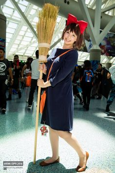 Cosplay photos from Anime Expo 2016 Easy Anime Cosplay, Easy Cosplay Costumes, Kiki Cosplay, Crazy Costumes, Epic Cosplay, Cosplay Diy, Cute Cosplay, Anime Costumes, Amazing Cosplay