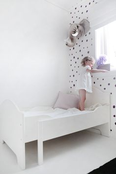 UNA CAMERETTA A POIS - Design Therapy Baby Bedroom, Girls Bedroom, Spa Bedroom, White Kids Room, Deco Kids, Bedroom Furniture Design, Little Girl Rooms, Fashion Room, Kid Spaces