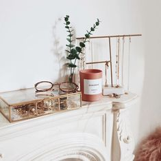 Spending the day decluttering my whole life ✨ excited to do absolutely nothing tonight! Rangement Makeup, Boho Room, Vanity Decor, Room Goals, Aesthetic Room Decor, Home And Deco, Beauty Room, My New Room, House Rooms