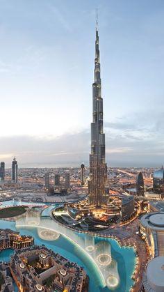 Khalifa Tower, Dubai.  Den passenden Koffer für eure Reise findet ihr bei uns: https://www.profibag.de/reisegepaeck/