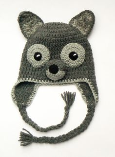 Crochet wolf hat for kids.    Made of 50%wool, 50%acrylic yarn  Color- Gray    This hat is MADE TO ORDER! It will be ready to ship in 3-5 days.  Choose