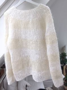 den stripete strikkegenseren til mamma Mohair Sweater, Sweater Cardigan, Knitting Patterns Free, Free Knitting, Cardigan Pattern, Knitwear, Knit Crochet, Clothes, Cotton