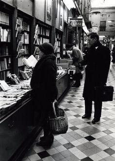 Robert Doisneau  -  Paris : pathways & galleries  //  Vullin Bookstore, Passage Jouffroy 1981