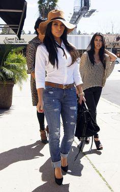 Kim Kardashian Style and Fashion - Jet by John Eshaya Jamie Roll Up Slim Leg Jeans - Celebrity Style Guide Passion For Fashion, Love Fashion, Autumn Fashion, Womens Fashion, Fashion Trends, Look Kim Kardashian, Kardashian Fashion, Mode Ootd, Casual Outfits