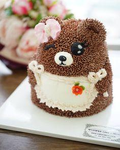 buttercream character cake 윙크~~~~♡ Done by Malaysia student. #케이크#cake #cake #flower #buttercream #totoro#character #cake #flowercake #class#cakendeco #버터크림#캐릭터 #케이크 #토토로#버니핑크#케이크#캐릭터케이크 #클래스#케이크앤데코 #플라워케이크#韩式裱花 CAKE n DECO KakaoTalk, WeChat, Line ID=>CAKEnDECO http://www.cakendeco.co.kr