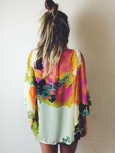 Love this gorgeous bcbg kimono