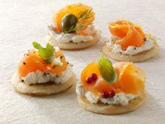 Blinis with crème fraîche and smoked salmon #gelatine #GME #starters ©gettyimages