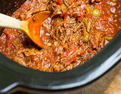 Globetrotting for your taste buds.Slow Cooker Ropa Vieja: Cuban Shredded Beef Stew with Peppers. Ropa Vieja is a famously delicious Crock Pot Slow Cooker, Slow Cooker Recipes, Crockpot Recipes, Cooking Recipes, Cooking Hacks, Cuban Recipes, Steak Recipes, Spanish Recipes, Cuban Dishes