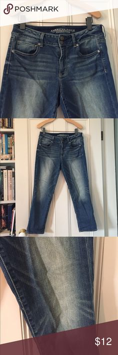 """American Eagle """"artist crop"""" super stretch jeans Size 12 AEO """"artist crop"""" jeans! Medium wash, excellent condition!! American Eagle Outfitters Jeans Ankle & Cropped"""