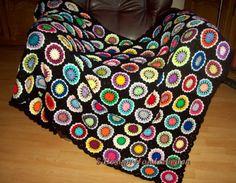 Gehäkelte Decke * MEDAILLON * Granny Squares von S-Design  Handarbeiten auf DaWanda.com