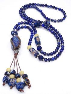 Collar en Cristal rojo - Collar en Zamak - Collares de Piedras Naturales Beaded Necklace, Jewelry, Fashion, Geode Jewelry, Natural Crystals, Hanging Necklaces, Long Beaded Necklaces, Bangles, Crystal Necklace
