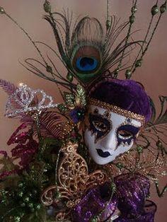 Ideas For Mardi Gras Theme Sweet 16 « Event News Cupcake Centerpieces, Sweet 16 Centerpieces, Mardi Gras Centerpieces, Masquerade Centerpieces, Mardi Gras Decorations, Birthday Centerpieces, Centerpiece Wedding, Sweet 16 Masquerade, Masquerade Wedding