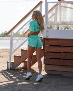 Cute and cropped! This set will be sure to brighten your day - workout or not. Mix and match with our other ranges for the perfect outfit combo. Brighten Your Day, Cropped Hoodie, Mix N Match, Squats, Active Wear, Women Wear, Two Piece Skirt Set, Spring Summer, Muscle Training