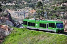 El Cremallera de Montserrat es una línea de tren de montaña al norte de Barcelona, en Cataluña, España. La línea funciona de Monistrol de Montserrat al monasterio cima de la montaña de Montserrat. La primera de 1 km (0,6 millas) de la línea, entre Monistrol y la única estación intermedia en Monistrol Vila, es operado por la adhesión convencional. El resto de la línea se hace funcionar como un tren de cremallera utilizando el sistema Abt, la superación de una diferencia de altura de 550 m…