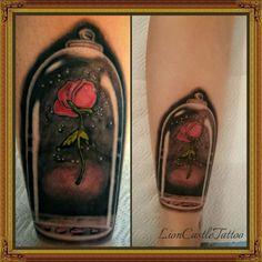 Tattoo Rosa La Bella y La Bestia Por LionCastleTattoo