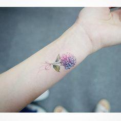 : Hydrangea  . . #tattooistbanul #tattoo #tattooing #flower #flowertattoo #colortattoo #hydrangea #타투이스트바늘 #타투 #꽃 #꽃타투 #컬러타투 #수국타투