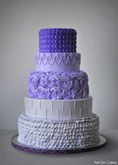 Fat Girl Cakes - Kristin - tells how she piped this cake with buttercream. This will be my wedding cake