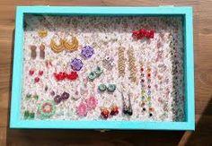 Znalezione obrazy dla zapytania biżuteria ekspozycja
