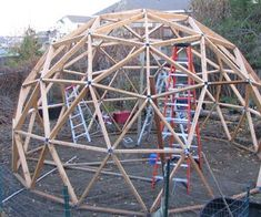 Geodesic Cedar Greenhouse : 9 Steps (with Pictures) - Instructables Geodesic Dome Greenhouse, Home Greenhouse, Greenhouse Ideas, Greenhouse Wedding, Outdoor Greenhouse, Greenhouse Interiors, Small Greenhouse, Bird Feeders For Kids To Make, Moss Graffiti