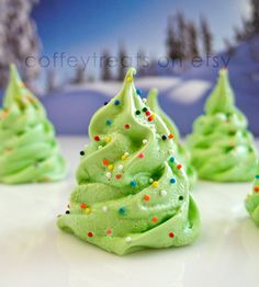 Christmas tree meringues